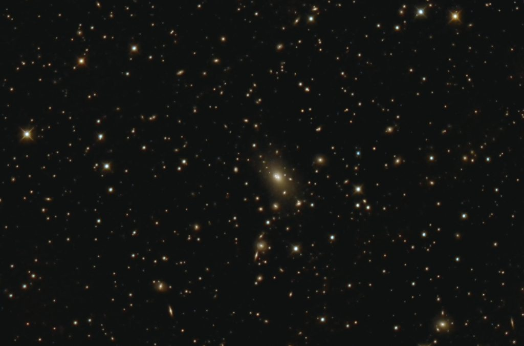 "NGC6166, riesige cD-Galaxie in Abell 21999. 16"" RC, Nikon D7000, 4.5.2016."