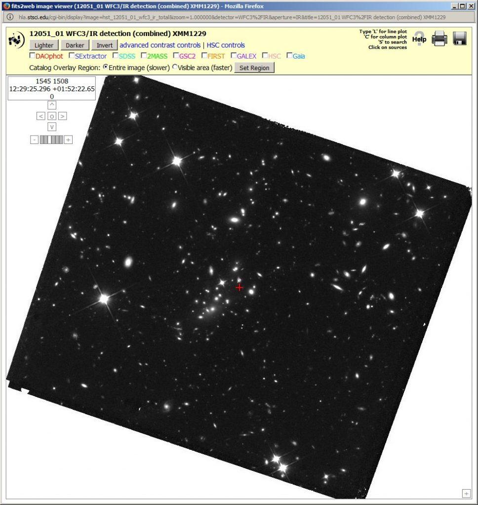 Tiefe Aufnahme des Clusters XMM1229 mit dem HST