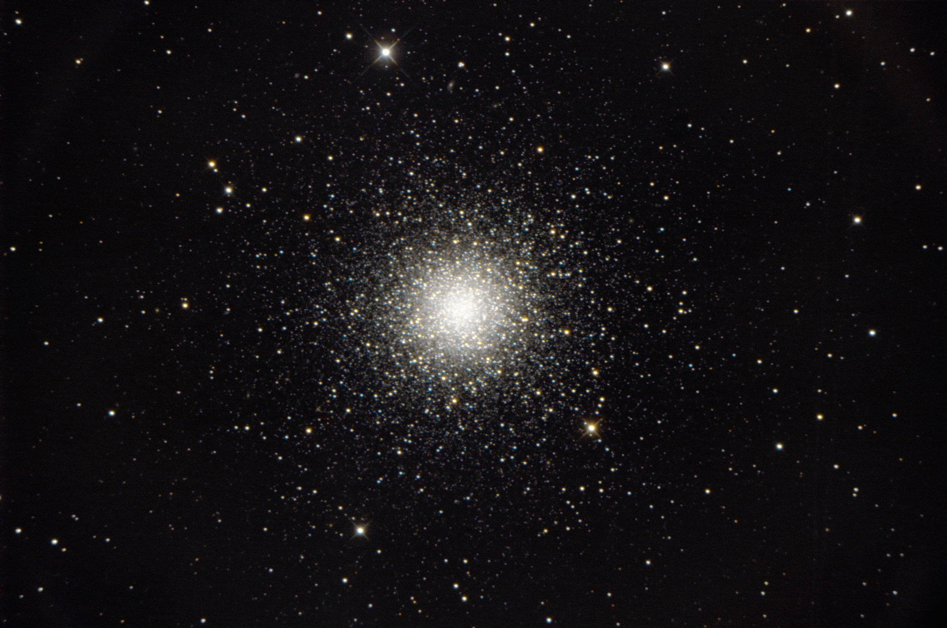 """Kugelsternhaufen M3 am 1.4.2017. Teleskop 16"""" RC, Kamera Nikon D800."""